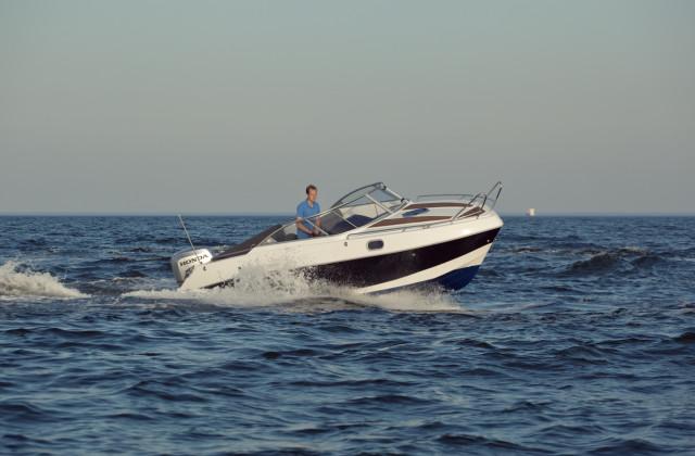 admiral-660-cabin-01